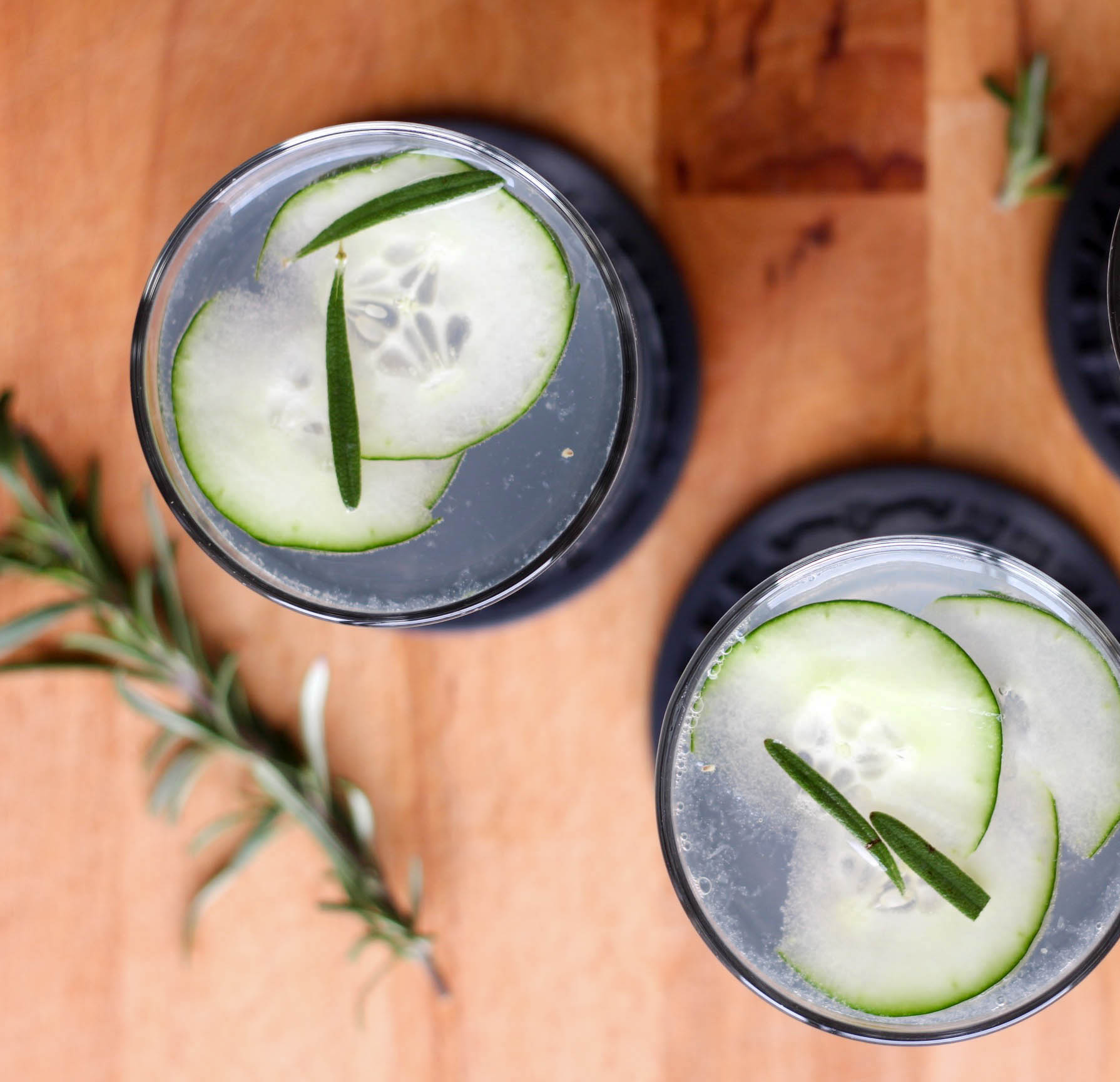 6 Tips For Dining Out - Cocktail Hour